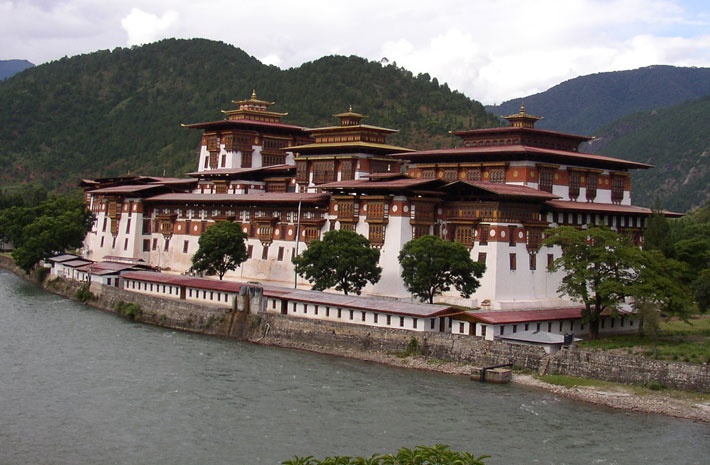 bhutan with upstream cruise