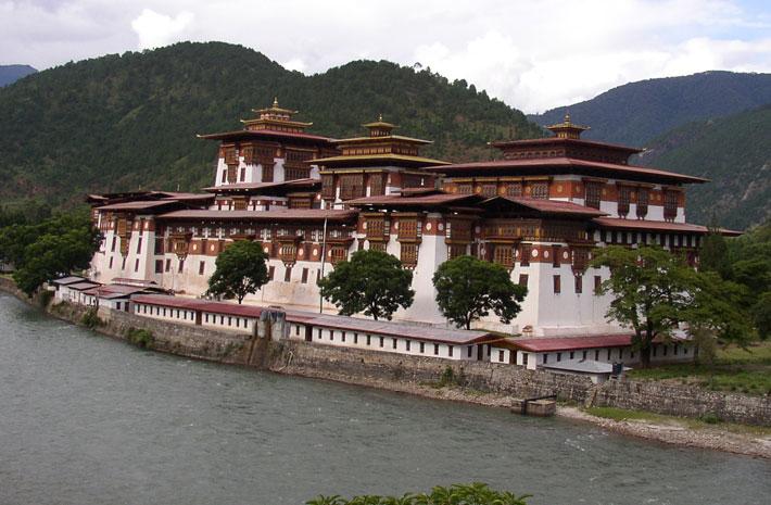 bhutan with brahmaputra river upstream cruise